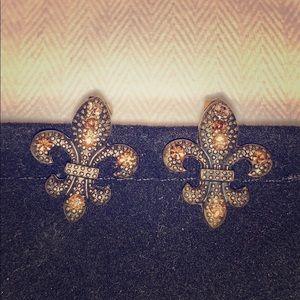 Fleur de Lis pierced earrings